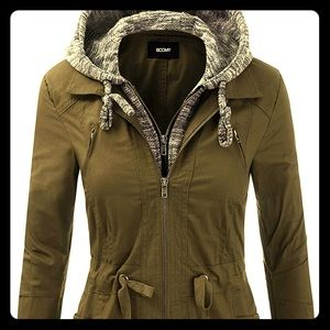 Lightweight jacket with hood